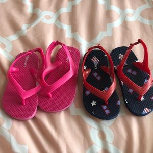2 pair of Old Navy flip-flops